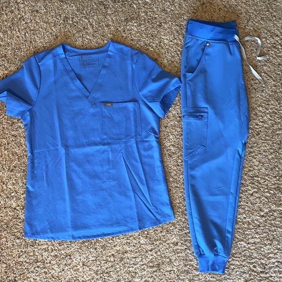 Figs scrub top/pant set